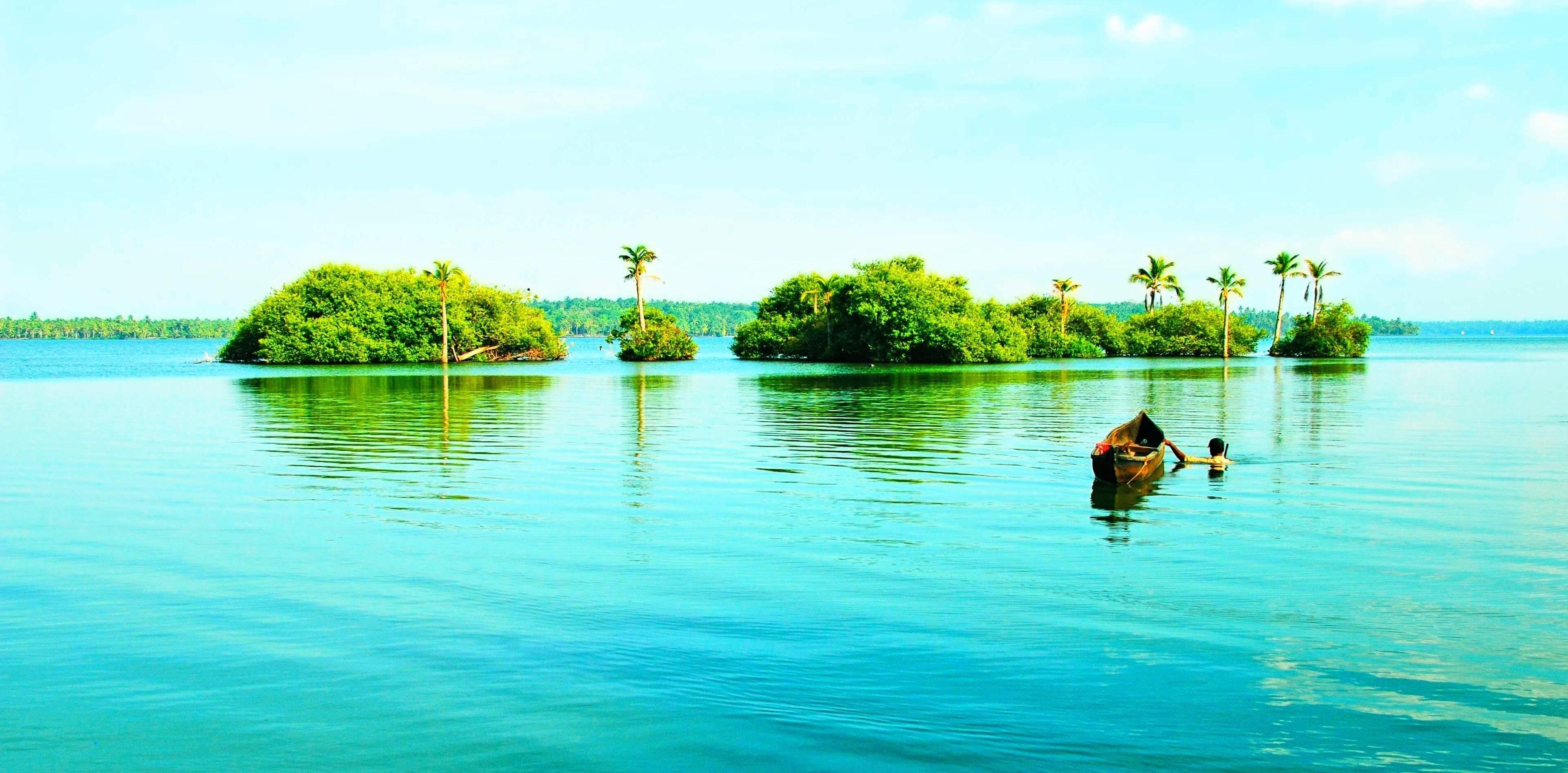 Houseboat-Kumarakom-Unforgettable-Experience